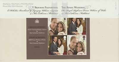 GB 2011 Presentation Pack No.M20 Royal Wedding. Official Engagement Portraits.