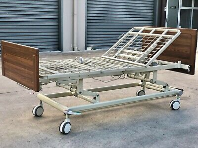 Homecare/Hospital Electric Adjustable Three Function Bed With IV/Self Help Pole