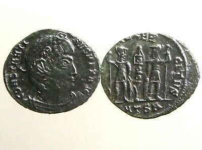 CONSTANTINE THE GREAT BRONZE AE3___Two Soldiers and One Standard