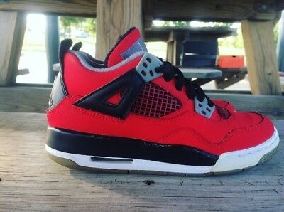 finest selection 2255f 18d0b Air Jordan 4 Retro Toro Bravo Size 4Y
