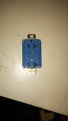Pass & Seymour Ig5632-Blsp Lightly Used Tvss Recept 20A 125V Blue See Pics #B34