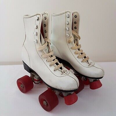 Retro White Roller Skates Quad Roller Red Wheels AUS 7 Derby Skating