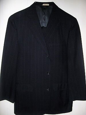 Men's tailored in USA 3 button suit size 42 W36 L27 More measurements below