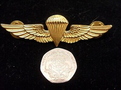 Us Marine Corps Parachutist Gold Color Pin Badge. Stamped (L-22)