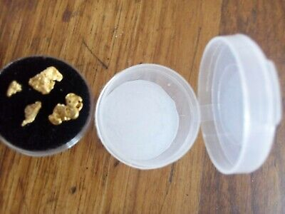 4 nuggets 2.48gms. They come in the white container not the black one.