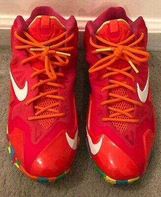 huge selection of e379d 383a7 Nike Lebron XI 11 GS Size 7 Youth 7Y Shoe 621712-600
