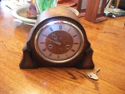 """Vintage OAK CASED CHIMING MANTLE CLOCK, MADE IN GREAT BRITAIN 11"""" X 8"""""""