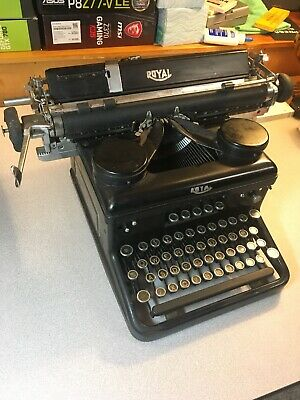 Working Vintage 1930's ROYAL Typewriter w/Original Cover, Paint In Great Shape