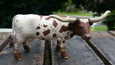 Lot 18 of 50. SCHLEICH Texas Longhorn RETIRED? cow (played with condition)