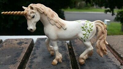 Lot 19 of 50. SCHLEICH 70432 Bayala Unicorn Standing RETIRED (played with)