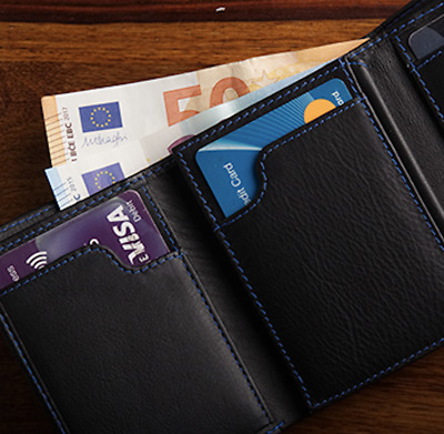 The Peek Note Wallet (Gimmick and Online Instructions) by Gerard Kearney