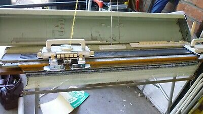 Empisal KH880 knitting machine with Lace carriage
