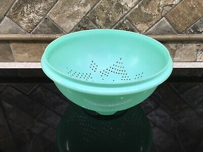 Tupperware 339 Jadite Green Footed Strainer/Colander