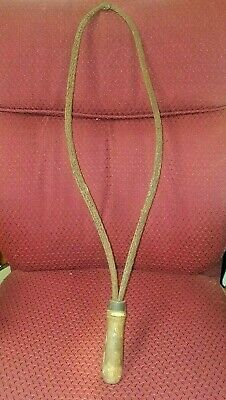 """Primitive 28"""" Vintage Metal Braided Rug Beater with Wooden Handle Antique"""