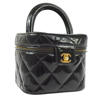 58d783ec5af6 Auth CHANEL Quilted Cosmetic Hand Bag Vanity Black Patent Leather GHW  AK33259c