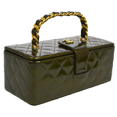 5ce149418940 Auth CHANEL Quilted CC Chain Hand Bag Metallic Dark Green Patent Leather  AK22874