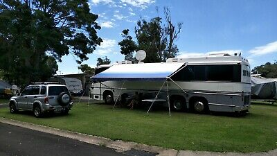 Luxury Coach Bus Motor Home with fully enclosed trailer, Excellent condition,