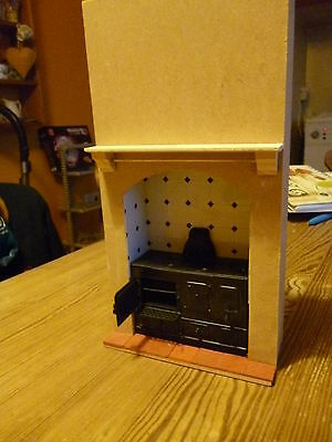 Dolls House  Range Stove Built in with surround  tile back    dhd085T