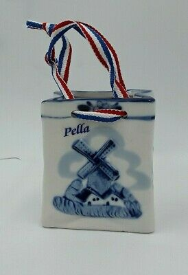 Vtg delft blue and white ceramic basket / bag, Holland, hand painted w/windmill