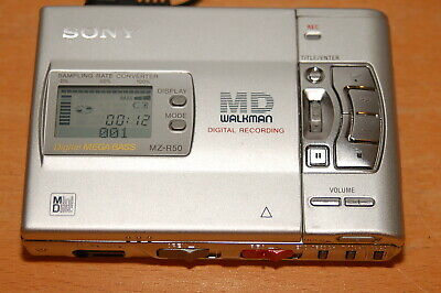 MD SONY WALKMAN MZ-R50 PORTATABLE MINIDISC RECORDER (made in Japan)