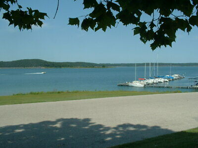 Lot Near Branson! Mobile Homes Allowed. Lake, Golf Course & Marina 1 Mile Away