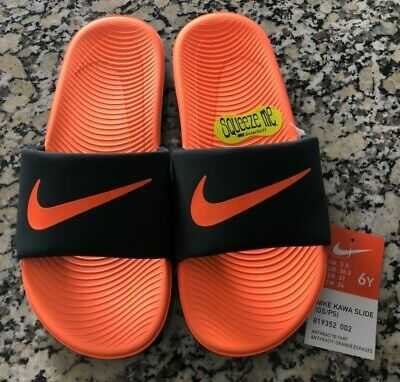 GS//PS Nike Boy/'s Kawa Anthracite//Tart Slide Sandals New Size 2 Youth
