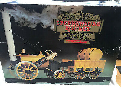 Hornby G100 Stephensons Rocket Live Steam Locomotive  - Boxed