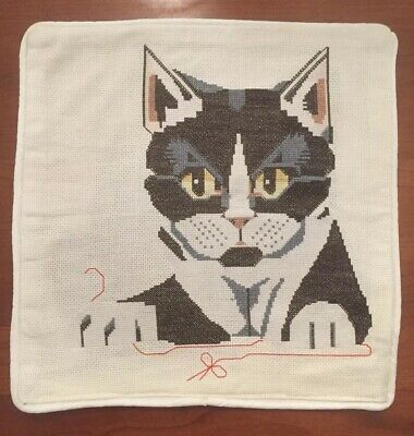 CAT PILLOW counted cross stitch 12.5 X 12.5 With Zipper. Completed.