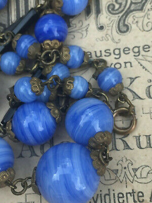 ANTIQUE/EARLY 20thC NECKLACE OF CORNFLOWER BLUE SWIRLED GLASS BEADS