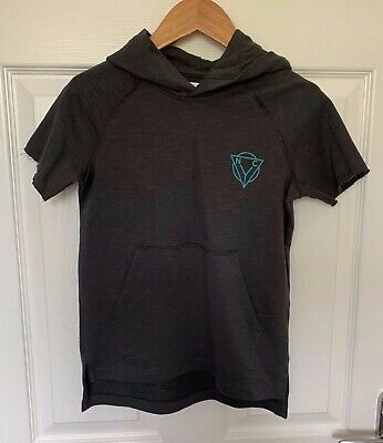BNWT Boys NEXT Dark Grey Distressed Short Sleeve Hooded Top - Age 6 Years