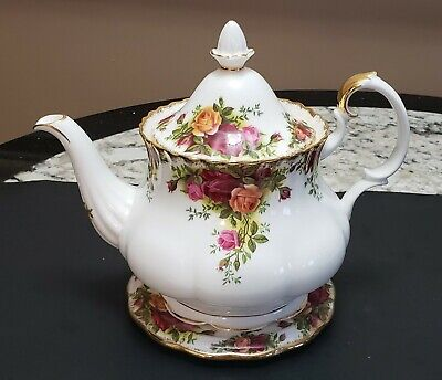 Royal Albert Bone China Old Country Roses Large Teapot And Trivet England Nrmt