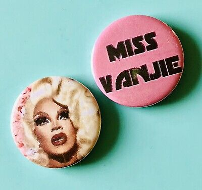 SET OF 3 TRIXIE MATTEL RU PAULS DRAG RACE GAY DRAG QUEEN STYLE BUTTON PIN BADGE