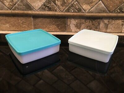 (2) Tupperware 670 White Sandwich Keeper Containers with 671 Mint/Aqua Seals GUC