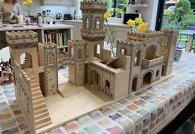 Wooden Folding Medieval Castle By Melissa Doug Excellent Condition