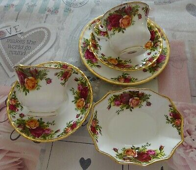 Vintage China Royal Albert Old Country Roses. 2 cups 2 saucers 1 side 1 dish