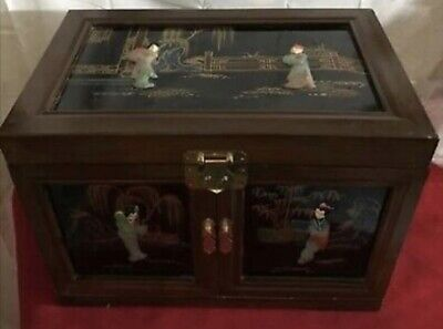 Antiques Old Japanese Lacquered Windup Music Jewelry Box …beautifully Hand Painted Making Things Convenient For Customers Other Asian Antiques