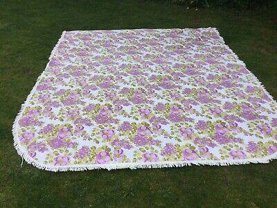 1970s Vintage Double bed Quilt Throw Cover Floral Lilac retro Old Vw van Kitsch