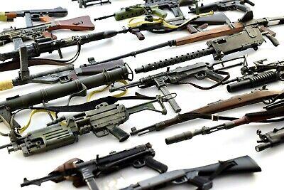 1/6 Scale DiD Corp, Dragon, Hot Toys selection of TOY Rifles, Machine Guns! (A)