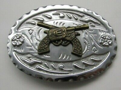 """Vintage Belt Buckle With Crossed Revolvers. In Good Condition. 4""""X3 1/4"""""""
