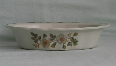 """MARKS & SPENCER ~ AUTUMN LEAVES ~  OVAL FLUTED DISH ~ 8 x 6"""""""