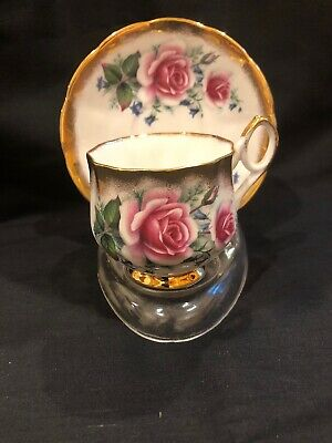 VINTAGE ELIZABETHAN FINE BONE CHINA FLOWERS AND GOLD Tea Cup and Saucer