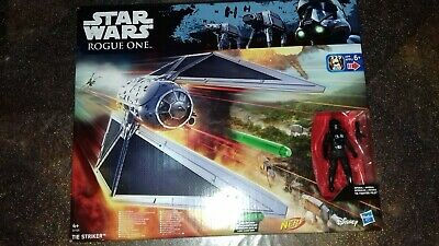 Star Wars Rogue One Vaisseaux Tie Striker et Pilote Disney Hasbro
