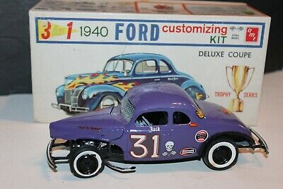 AMT 1940 FORD Coupe 1/25 Plastic Model Car Kit AMT850