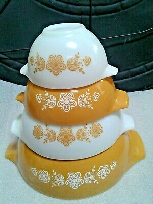 Set of 4 Vintage Pyrex BUTTERFLY GOLD Cinderella Mixing Bowls 441 442 443 444