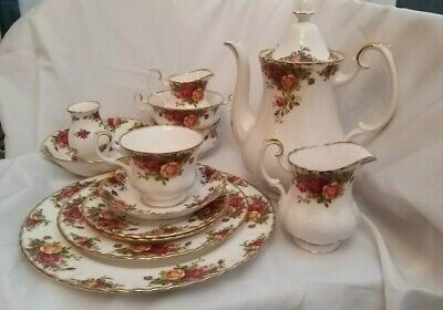 Royal Albert Old Country Roses Various Cups, Saucers , Plates, Teapot Etc