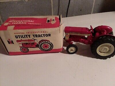Vintage Eska International Harvester IH Utility 340 McCormick Tractor & Box!