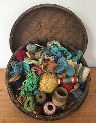 Lot Mixed Vtg Sewing Notions Findings Thread Embroidery Floss String In Basket