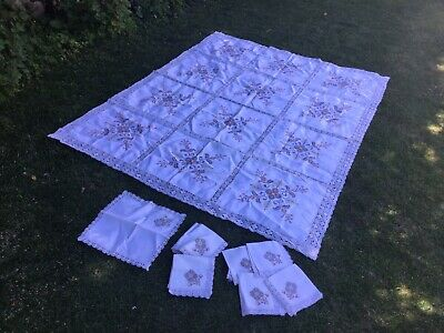 Vintage Large Linen Floral Embroidered Tablecloth Old Lace Detailing 8 Napkins