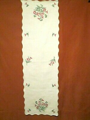 VTG Table Runner Dresser Scarf Linen Embroidered Floral Bouquets 15 x 48""