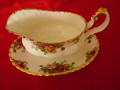 Royal Albert Old Country Roses ****GRAVY BOAT AND SAUCER IMMACULATE UNUSED 1ST Q